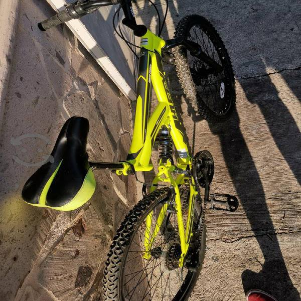 Bicicleta de montaña huffy rodado 24 nueva alumini