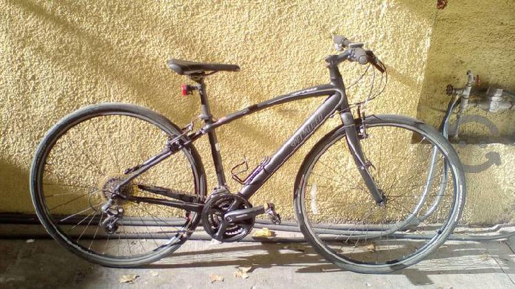 Bicicleta hibrida de ciudad o ruta specialized