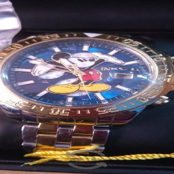 Reloj suizo invicta mickey mouse edición especial