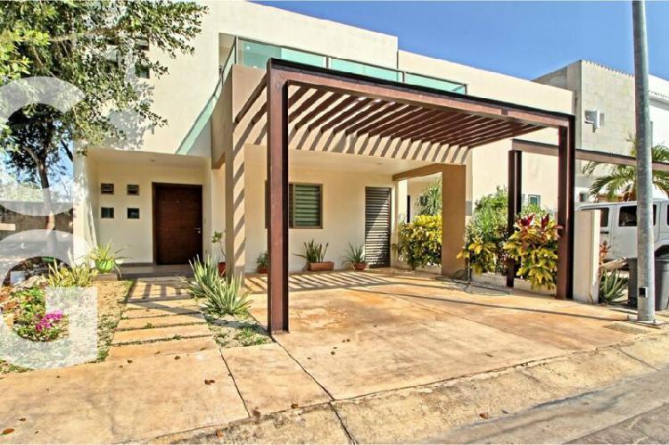 Casa en renta en cancun en residencial palmaris de 3