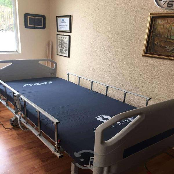 Cama hospitalaria eléctrica con colchón en renta