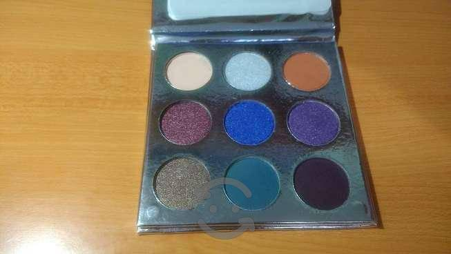 Paleta de 9 sombras kylie holiday edition