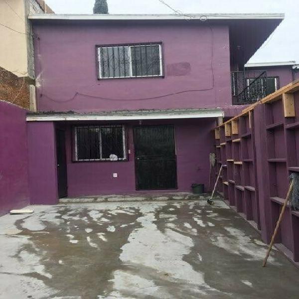 Rento bonita casa de 2 recámaras y 2 baños completos