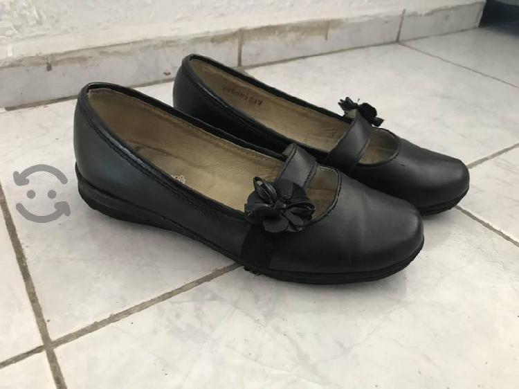 Zapato casual para niña
