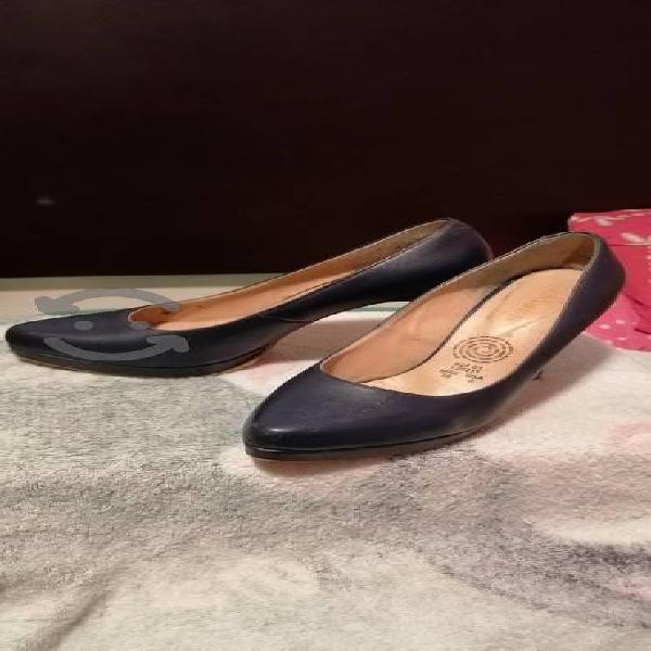 Bonitos zapatos del número 5