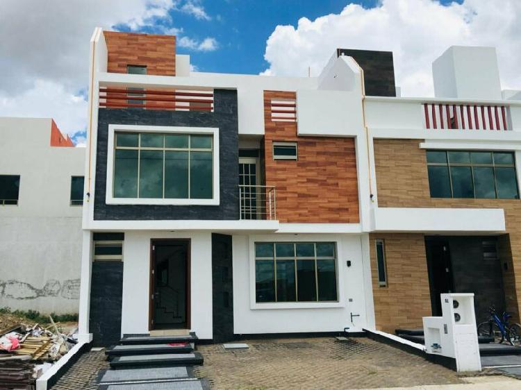 Amplia casa en valle del sol frente area verde