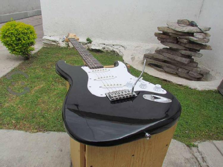 Guitarra eléctrica fender squier affinity,