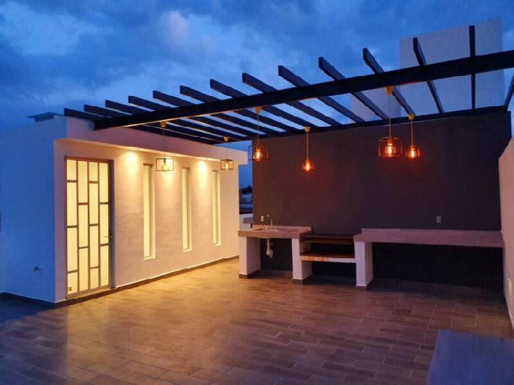 Renta casa amueblada equipada 3 rec 4 baños estudio roof