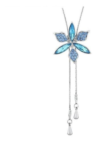 Collar largo de platino con flor de brillantes swarovski.