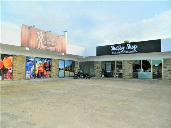 Renta de local en nueva plaza comercial