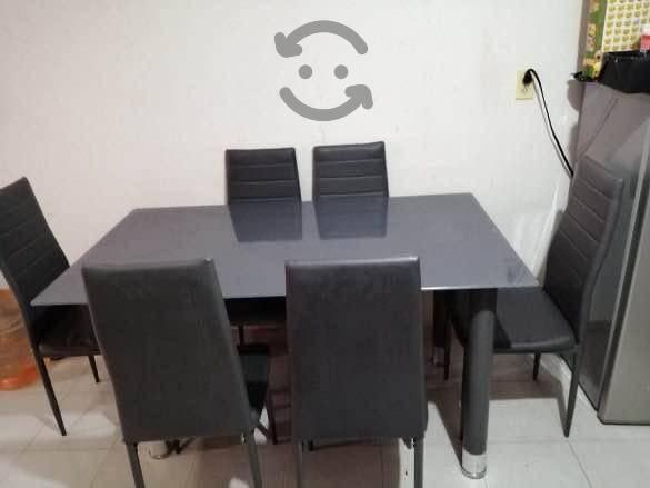 Comedor con 6 sillas color gris