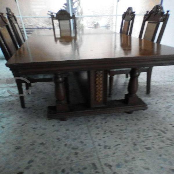 Comedor con seis sillas, cedro alto relieve