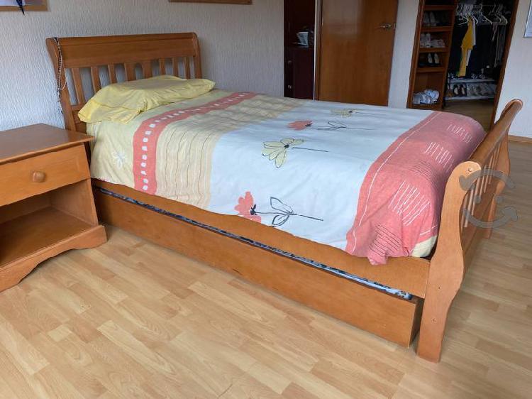 Recámara individual cama, buró y escritorio