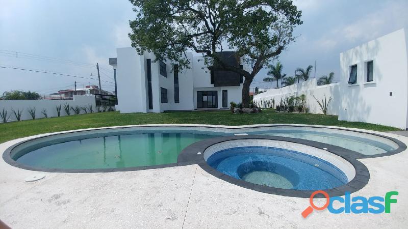 Casa minimalista con alberca en fraccionamiento oaxtepec morelos