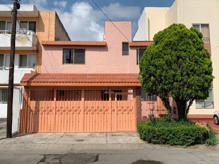 Casa amueblada en paseos del sol 5 habitaciones 3 banos