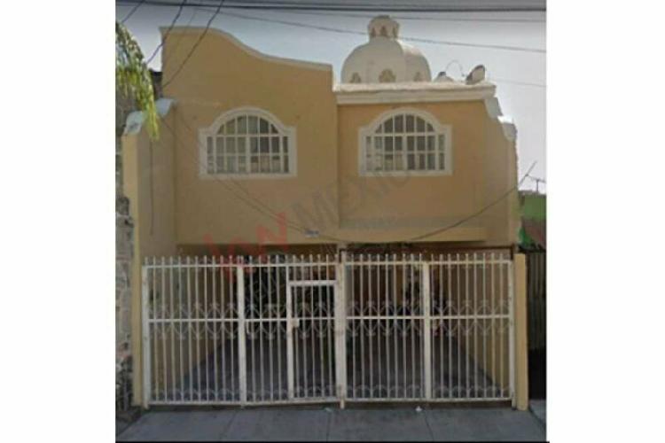 Casa en venta 4 recámaras en huentitán el bajo,