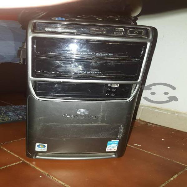 Computadora gateway escritorio