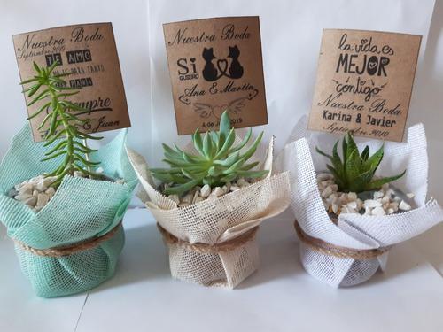 Recuerdos boda plantas suculentas decorada con yute _