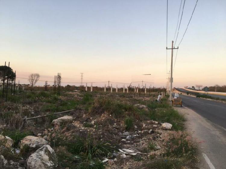 Terreno uso comercial sobre carretera mérida-cholul abajo