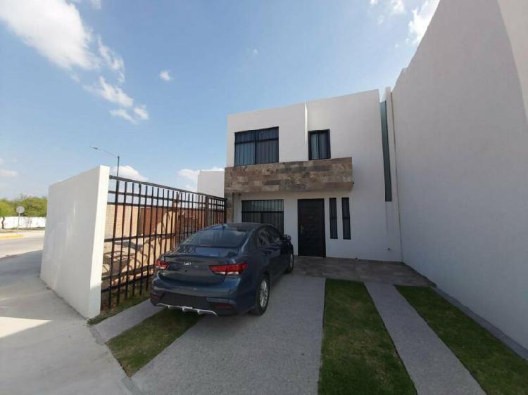 Casa en Renta en Residencial Catara con 203 m2 de terreno