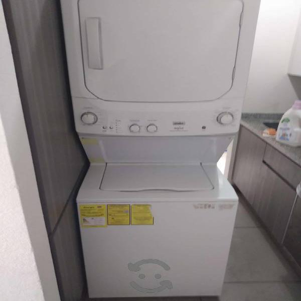 Centro de lavado , mabe aqua 17 kg blanca