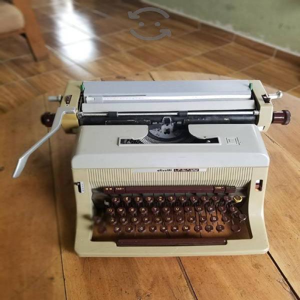 Máquina de escribir olivetti linea 88