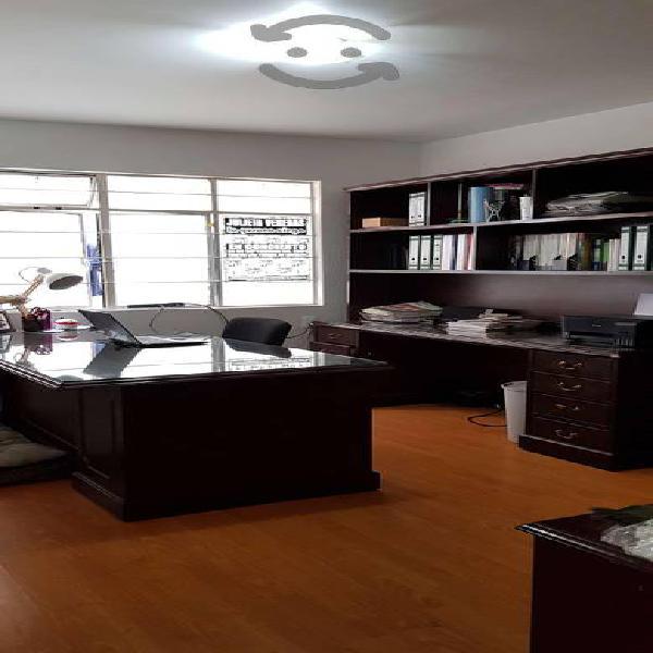 Oficina ejecutiva ( escritorio y librero )
