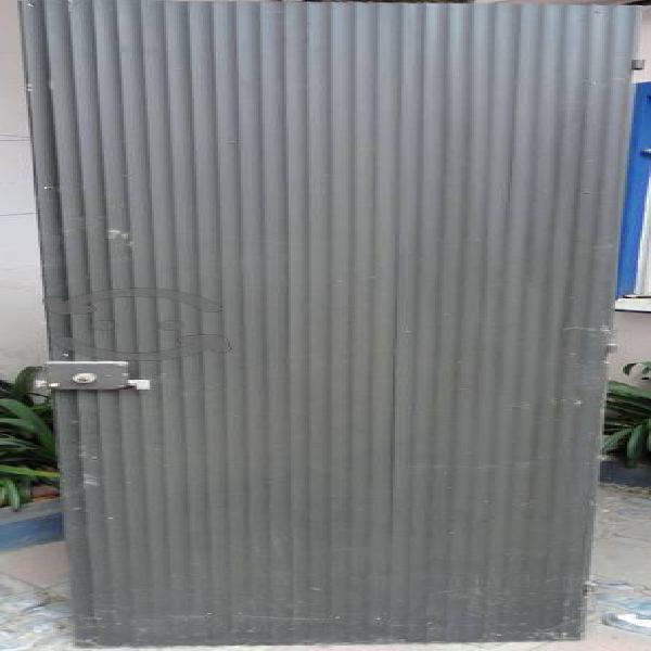 Puerta de aluminio (2)