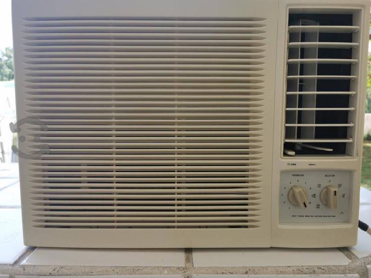 Aire acondicionado york de ventana 1/2 ton