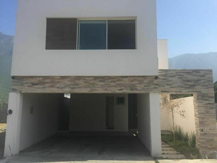 Casa en venta en carretera nacional, la estanzuela thesalia