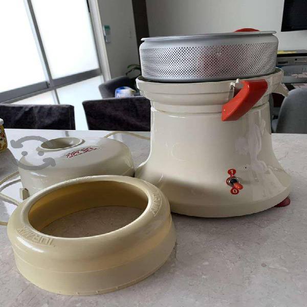Extractor de jugos turmix mod tu04 estandar beige