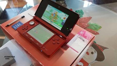 Nintendo 3ds en su caja, incluye cuatro juegos y envio.