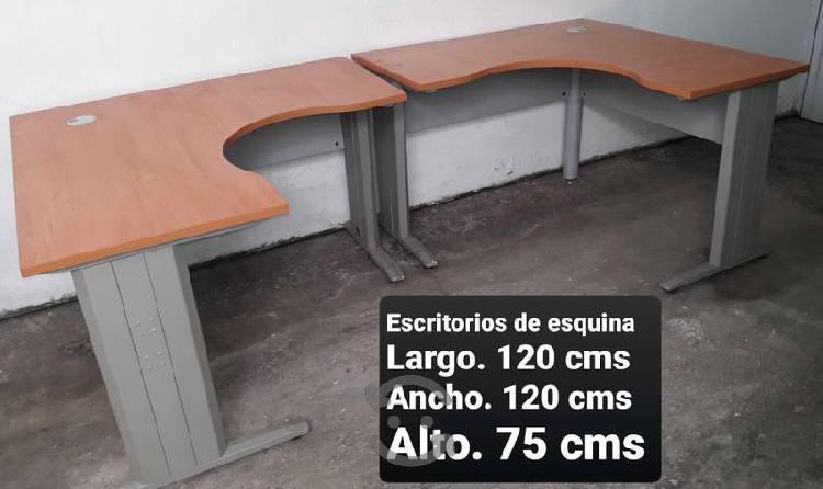 Remato mobiliario para oficina seminuevo