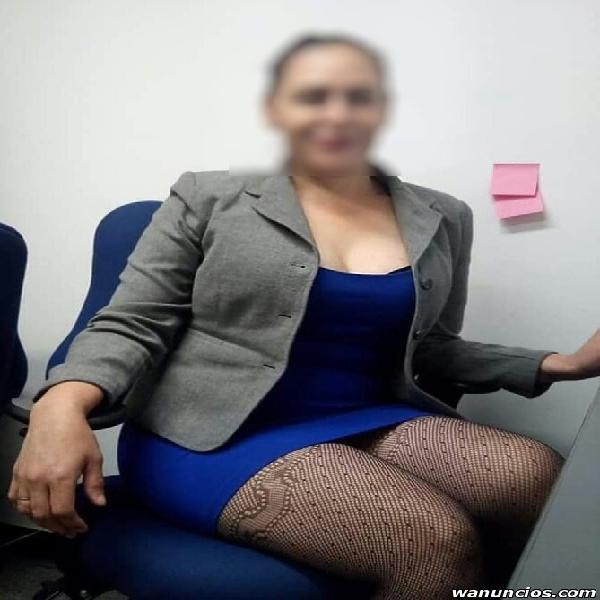 SEXY SECRETARIA MUY CALIENTE Y CON GANAS DE UNA BUENA VERGA