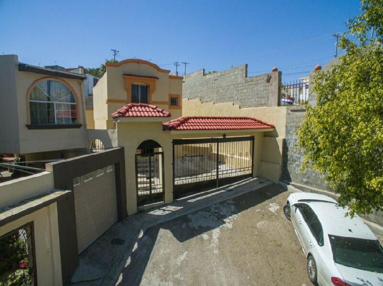 Casa en venta con Terreno Excedente, Tijuana Baja
