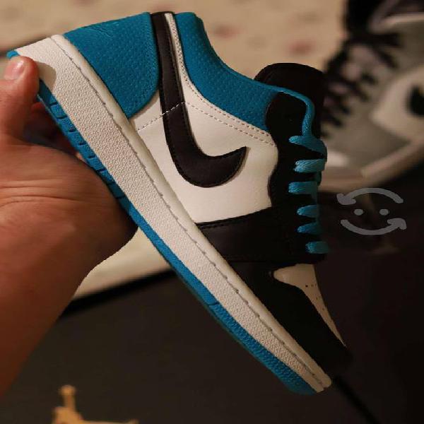 Jordan 1 low se lasser blue
