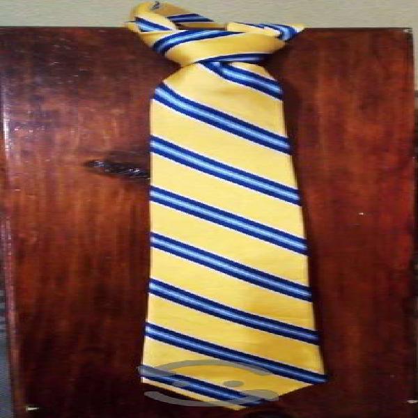Lote de corbatas selectas
