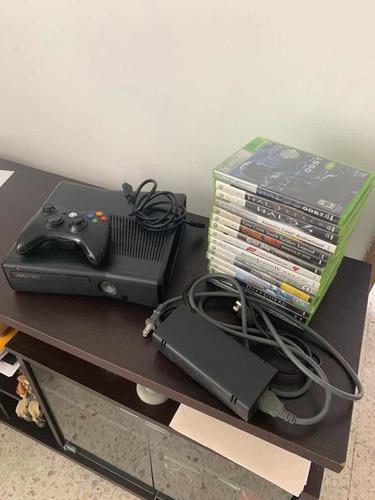 Xbox 360 con juegos internos y 16 juegos de disco