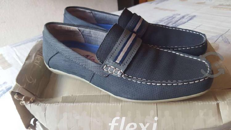 Zapatos casuales flexi seminuevos hombre talla 26