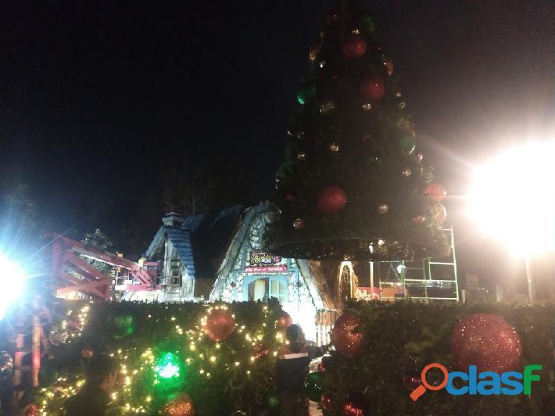Arboles de Navidad Gigantes 15