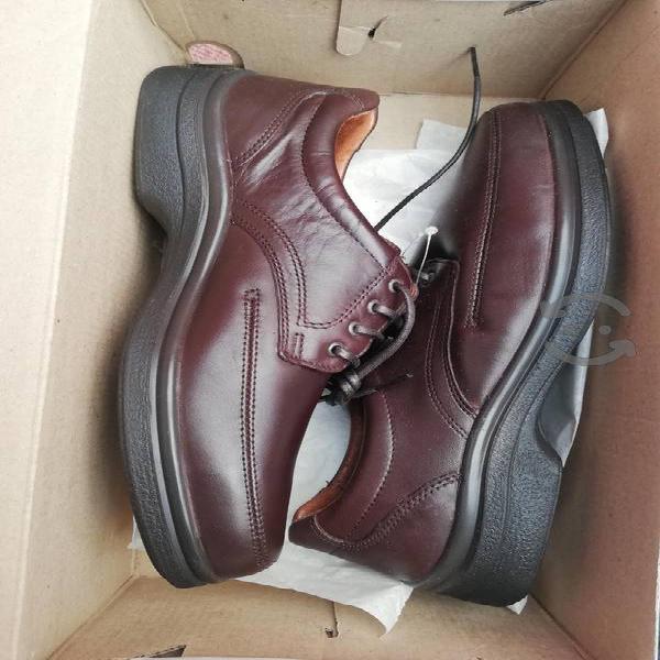 Nuevo zapatos flexi