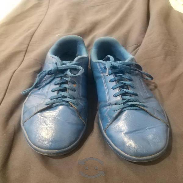 Tenis y botas