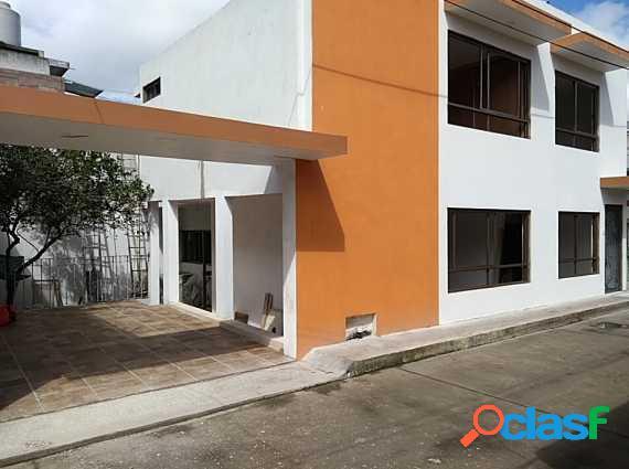 Preciosa casa en privada bonita de colonia revolución, 4 recámaras