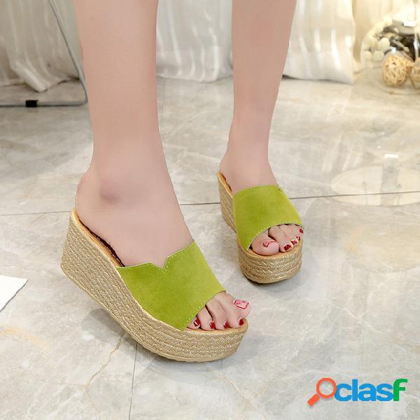 Zapatillas para mujeres cuarto de europa y los estados unidos con las nuevas sandalias wild wear de una sola palabra, de color simple y generoso
