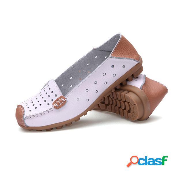 Zapatos planos cómodos slip on con huecos transpirables de color combinado de cuero