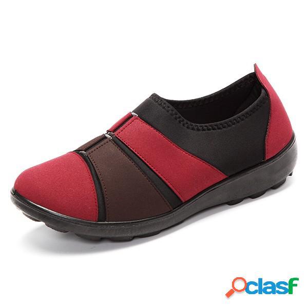Zapatos retros blandos planos de algodón de color en contraste con hebillas slip on para mujeres