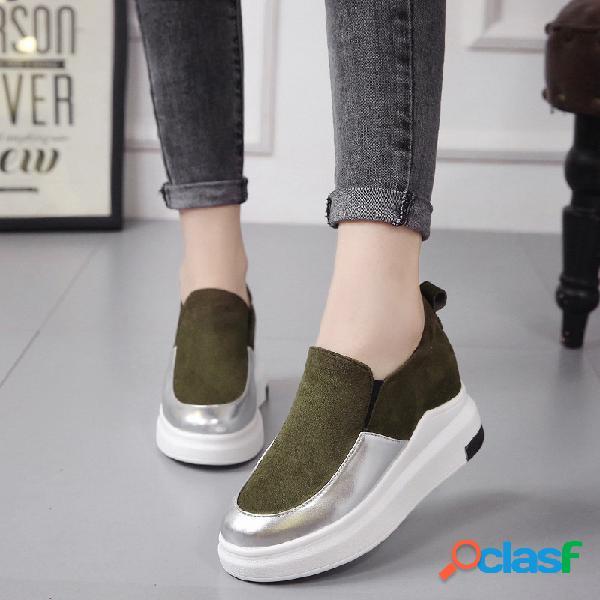 Zapatillas con plataforma de cuero patentadas con estilo