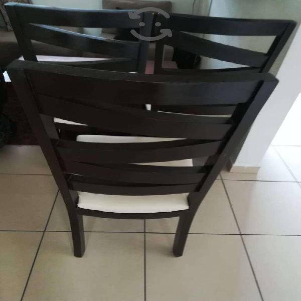 6 sillas de madera color chocolate con vinipiel