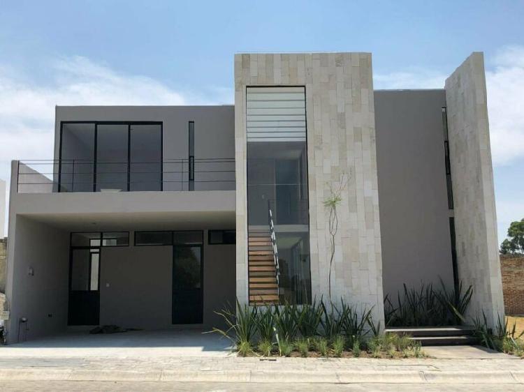 Casa nueva en venta con 4 recamaras en residencial