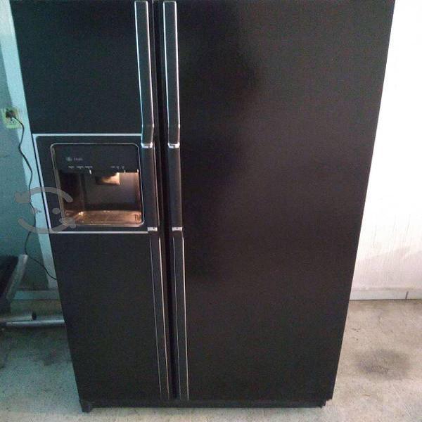 Refrigerador ge negro 2 puertas